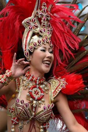 En el barrio tokyota de Asakusa cada año en el mes de agosto se celebra un carnaval con descendientes de brasileños-japoneses