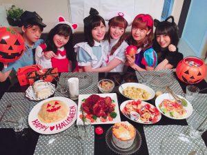 """Nana Owada celebró con sus amigas el """"Halloween"""""""