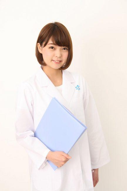 es ingeniera e investigadora en Farmacia y Ciencias Aplicadas en la Universidad de Niigata