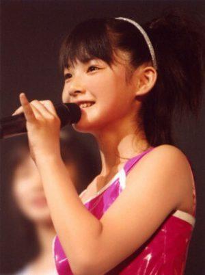 """Momoko Tsugunaga tiene como marca personal hacer siempre el """"koyubi o tateru"""""""