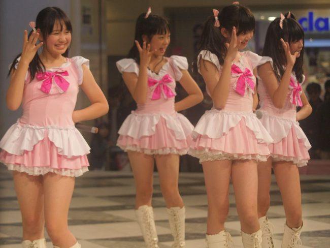 "Grupo idol junior de Kobe ""NA-NA"""