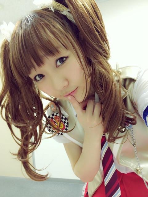 """El cabello castaño """"teñido"""" se prohíbe en muchas escuelas públicas en Japón, debido a que no es un color """"natural"""" de los japoneses.."""